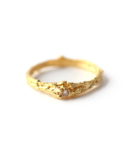 木とダイヤモンドのリング[ゴールド]